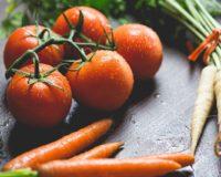 Στην µισή τιµή από τους συναδέρφους τους στην Ιταλία πληρώνονται οι Έλληνες καλλιεργητές φρούτων και λαχανικών