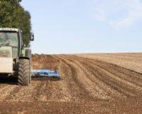 Φόρος στα ενοίκια γης αποσταθεροποιεί τη σχέση καλλιεργητών ιδιοκτητών