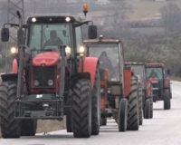 Στη δημιουργία μπλόκων προχώρησαν εχθές οι αγρότες της Καρδίτσα και των γύρω περιοχών
