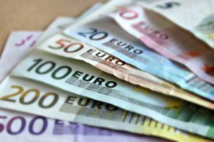 χρήματα, ευρώ, χαρτονομίσματα, οφειλές, επιδοτήσεις