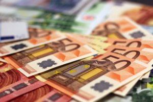 χρήματα, ευρώ, Πειραιώς