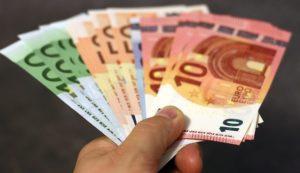 χρηματα - money