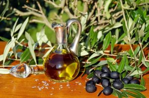olive-oil-ελαιολαδο-ελιες